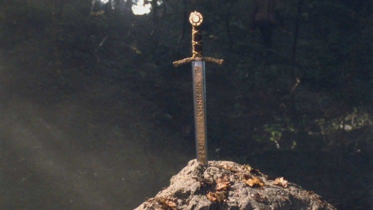 636113681201139281-1657767829_the-sword-in-the-stone